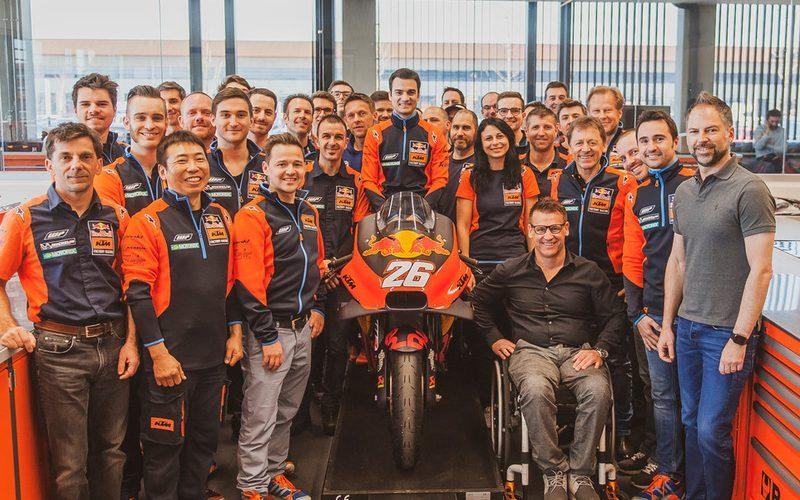 Dani Pedrosa wirkt nach langer Verletzungspause nun aktiv bei KTM mit
