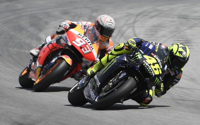 Marc Marquez klemmte sich an das Hinterrad von Valentino Rossi