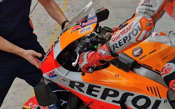 Zwei Hebel am linken Lenkerstummel: Marc Marquez testete eine neue Lösung für die Hinterradbremse