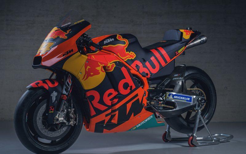 Für jeweils 288.000 Euro netto wechseln zwei KTM RC16 den Besitzer