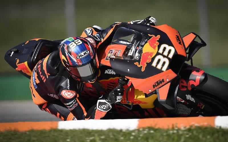 Brad Binder schafft in Brünn die Sensation und gewinnt sein erstes MotoGP-Rennen