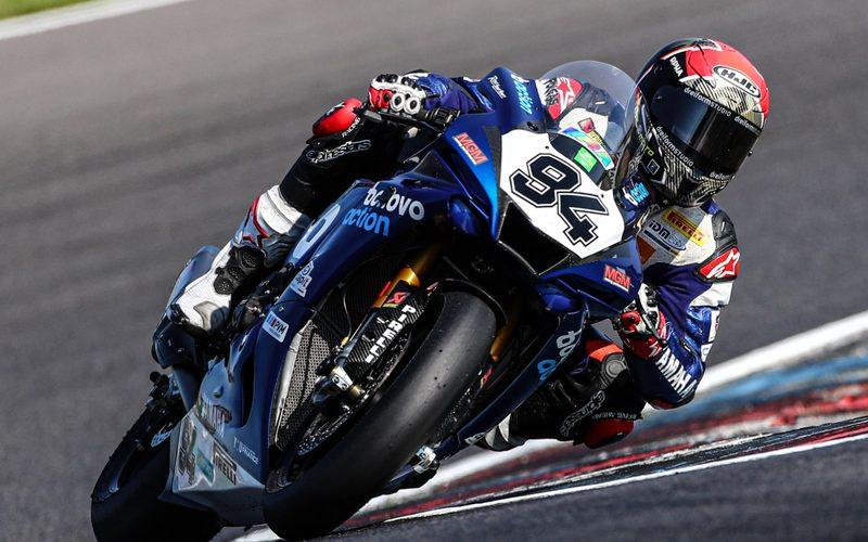 Jonas Folger dominiert die IDM mit seiner Yamaha R1