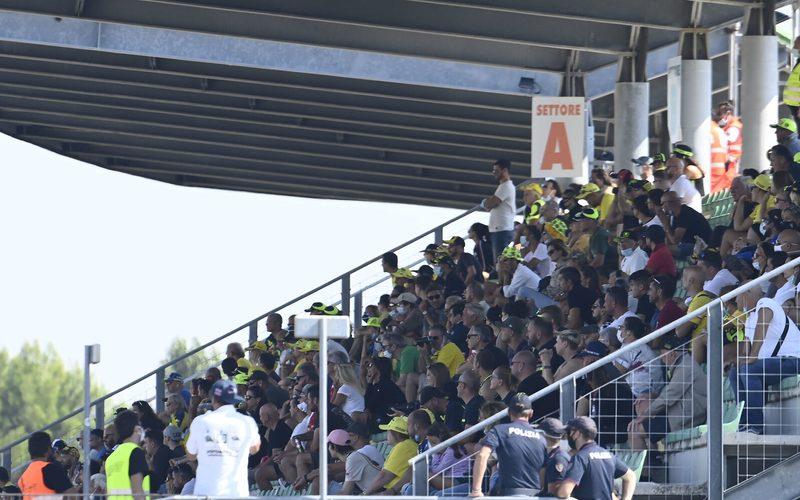 Bereits in Misano (Foto) durften Fans auf die Tribünen