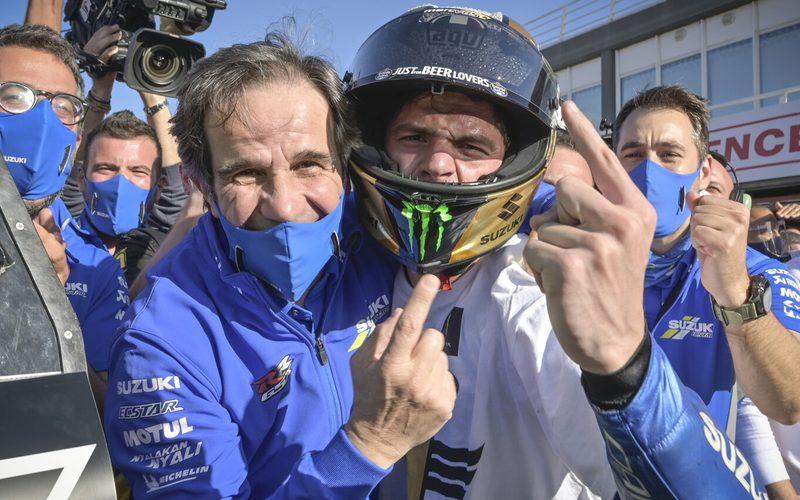 Davide Brivio mit MotoGP-Weltmeister Joan Mir