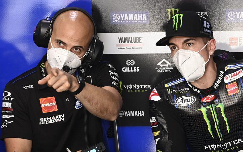 Crew-Chief Esteban Garcia und Maverick Vinales beim Katar-Test