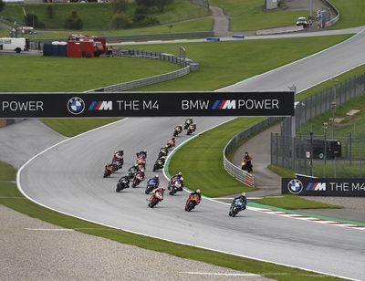 Im Linksknick Kurve 2 wurde keine Schikane für die MotoGP-Rennen gebaut.