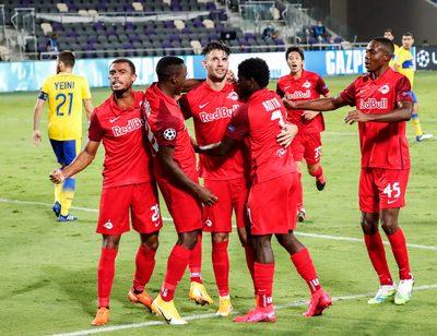 TEL AVIV,ISRAEL,22.SEP.20 - SOCCER - UEFA Champions League, play off, Maccabi Tel Aviv vs Red Bull Salzburg. Image shows the rejoicing of RBS. Photo: GEPA pictures/ Jasmin Walter