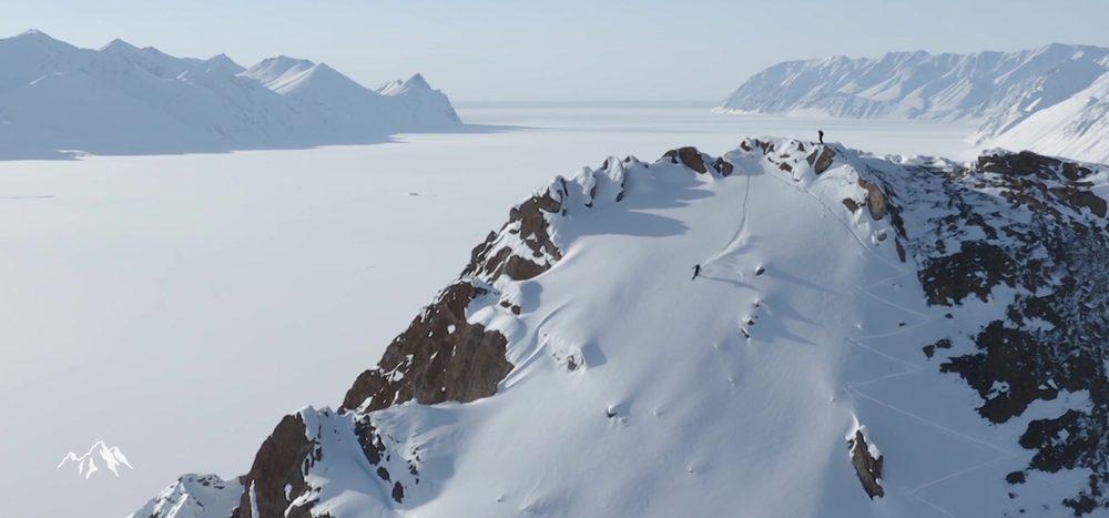 Auf Skiern in der Arktis