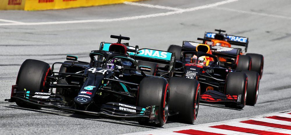 Spielberg: Hamilton gewinnt, beide Ferrari nach Kollision out